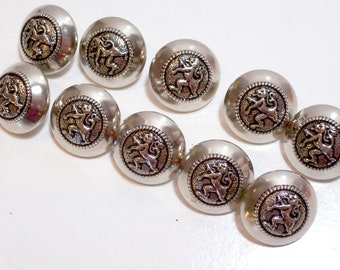 Silver Buttons, Silvertone Metal Buttons 3/4 inch diameter x 25 pieces, Lion Design