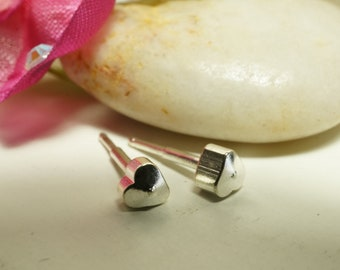 CLEARANCE - Sweet and Simple 925 Sterling Silver Heart Studs Earrings 4mm