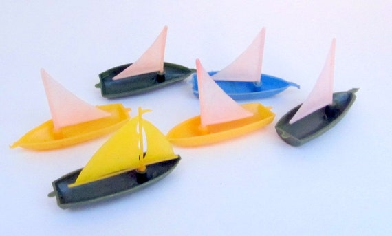 SALE Vintage Plastic Sailboat Set of 6 Gumball Cracker Jack Carnival Prize Toy