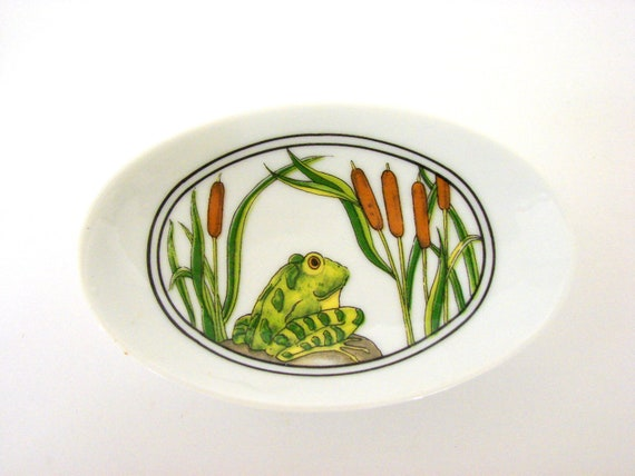 Vintage Soap Dish Frog and Cattails by Enesco