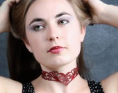 Choker Nouveau in Red Leather