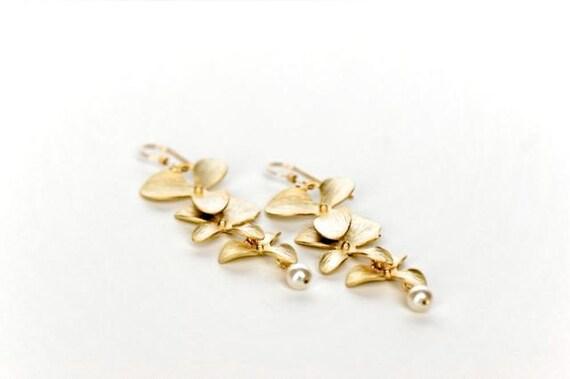Gold Dangle Flower Earrings, Gold Dangle Earrings with Pearl