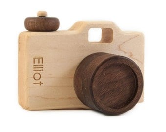 Personalized Wooden Toy Camera- Imaginative Play - Pretend Camera - Toy Camera - Wooden Toy - Wood Camera - DSLR Camera - Camera -TY14