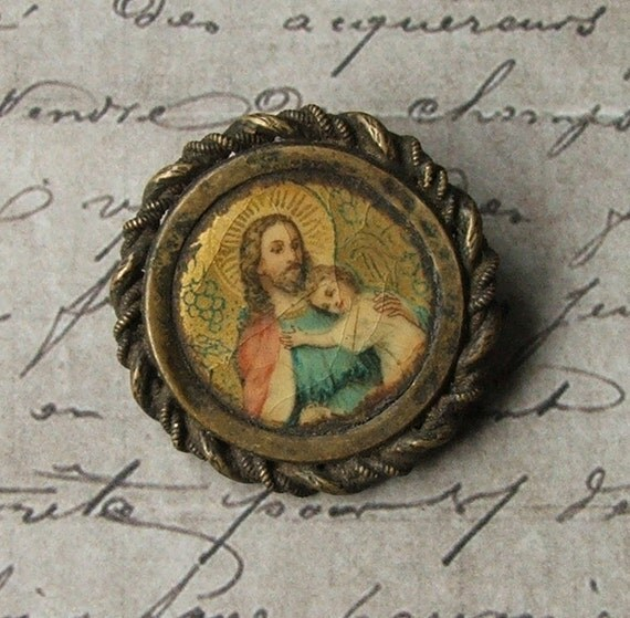 Vintage 1940's Lithographed Pinback Brooch Pin With The Sacred Heart Of Jesus & Little Child