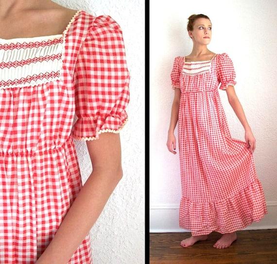 Cheerful Vintage Dress