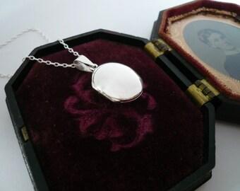 Silver Locket. Sterling Silver Locket Necklace. Heirloom Quality Gift.  Simple Sterling Silver Oval Locket. Keepsake Locket. Photo Locket.