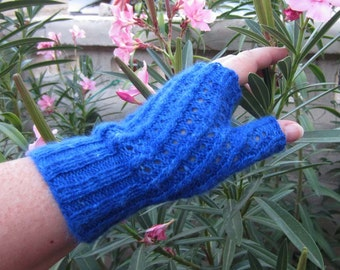 KNITTING PATTERN Twisted Stitch Cables Lacy Fingerless Gloves for Knitting