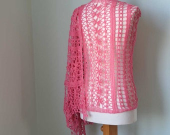 Lace crochet shawl, pink, H786