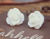 white parade rose flower earrings by yeahhello