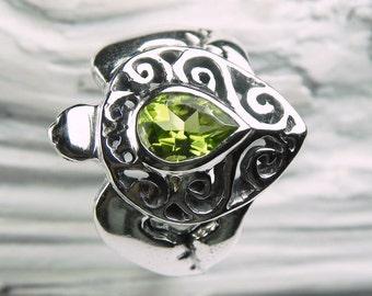 Turtle Ring Peridot - Silver Sea Turtle Ring - August Birthstone - Peridot Birthstone Ring - Green Turtle Ring - Honu Jewelry