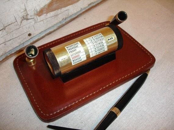 Vintage Prepetual Calender Pen Holder Leather