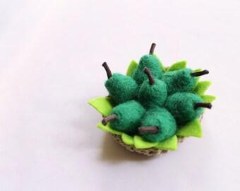 Green Pears Brooch, Felt Fruit, Fun accessorie, unique brooch, original gift.