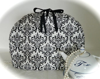 Black and White Damask Insulated Gusset Tea Cozy