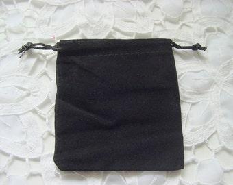 25 Black Velvet Bags 3.25 x 3.75 Inches ( 8.3 x 9.5cm)