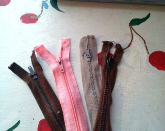 VINTAGE  ZIPPER SET Pink Brown Beige Set of Four