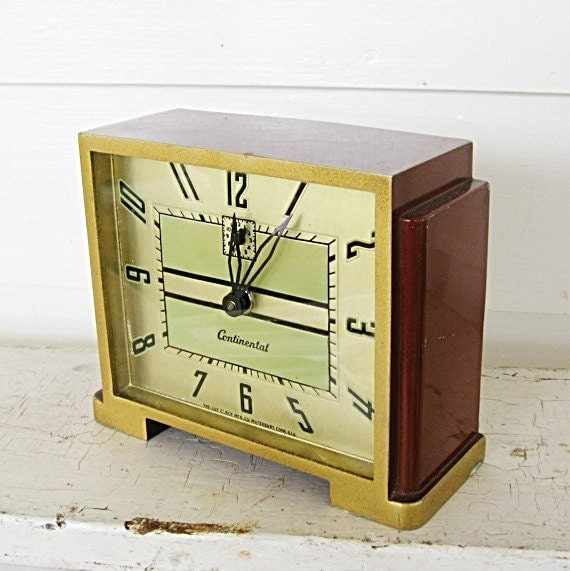 Vintage 1940's Mid Century Modern Design Continental Clock by Lux Co., Metal Case,  Working