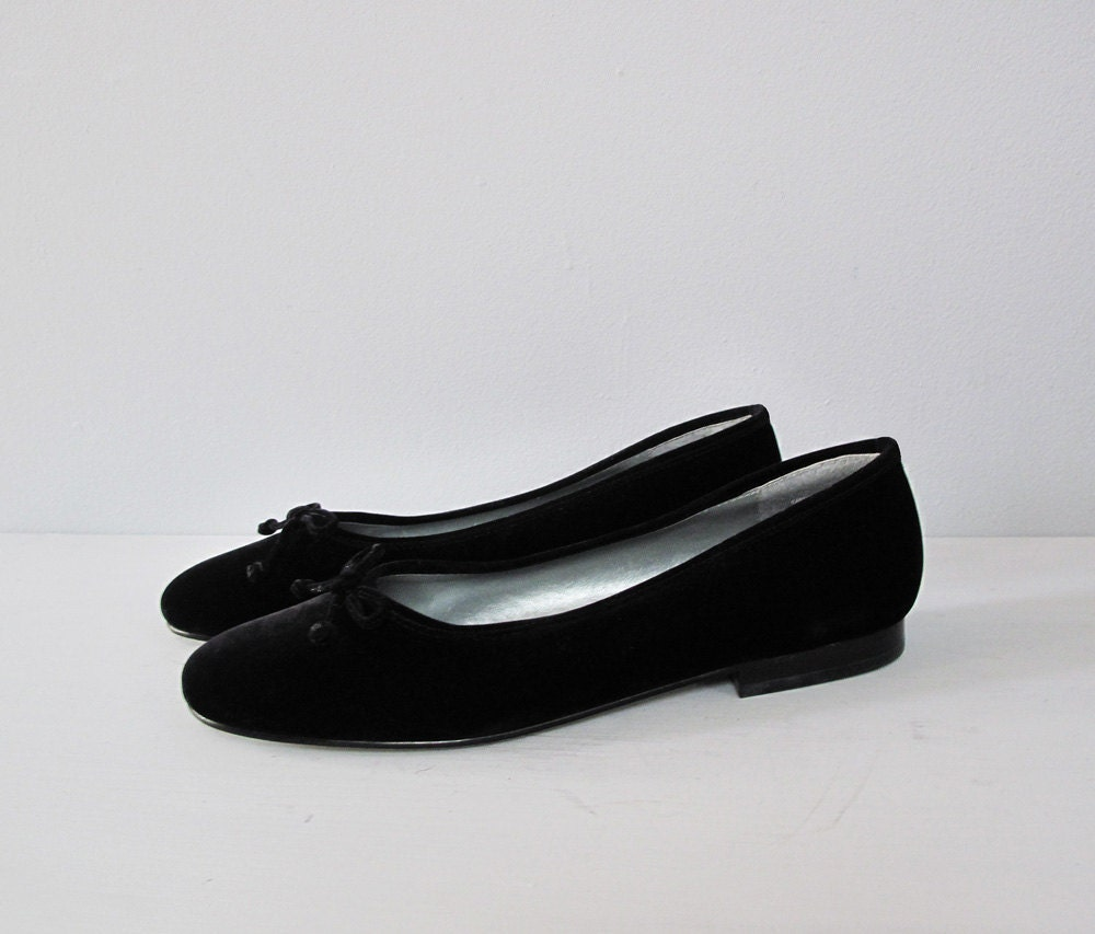 Free shipping on women's ballet flats at flip13bubble.tk Shop ballet flats for women from the best brands including Tory Burch, Sam Edelman, Valentino and more. Totally free shipping & returns.