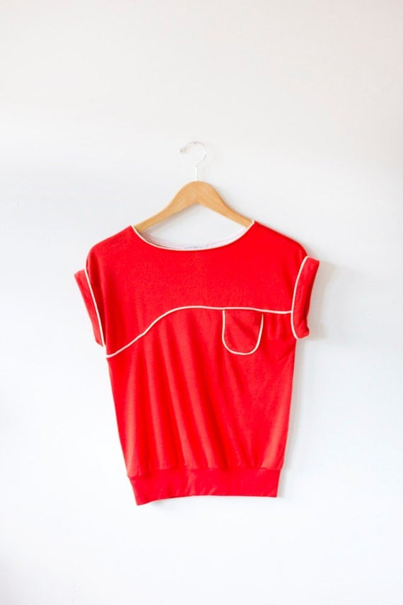 CIAO SUMMER SALE 70's Vintage Red Knit Tee Size Medium