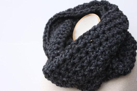 Mens Scarf, Gray Scarf, Infinity Scarf, Womens Scarf, Crochet Scarf, Winter Scarf, Knit Scarf, Chunky Scarf, Neckwarmer, Snood