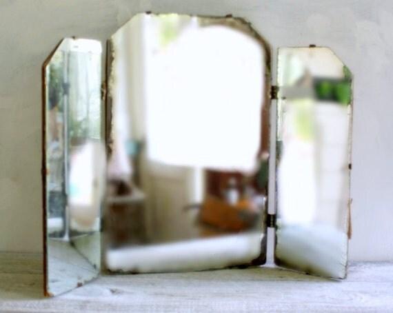 Vintage Minimalist Tri Fold Vanity Mirror