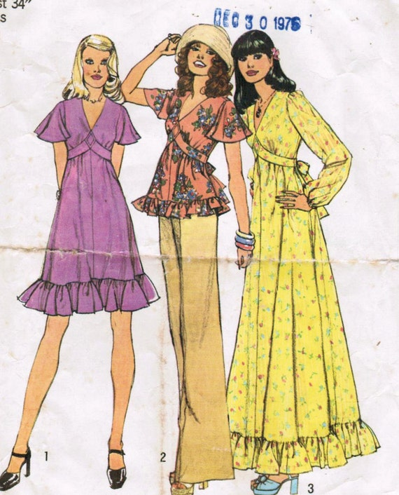 1970s Simplicity 6600 Vintage Sewing Pattern Misses Dress and Top Size 12 Bust 34
