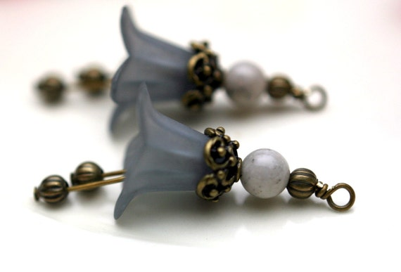 2 Piece Vintage Style Frosted Gray Lucite Flower with Brass and Agate Gemstone Bead Drop Dangle Set