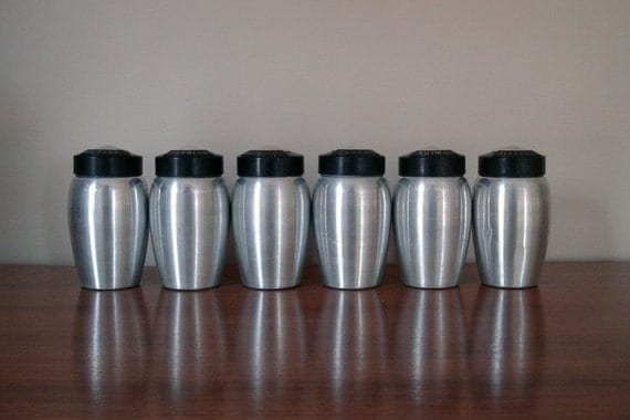 Set of 6 aluminum spice shakers