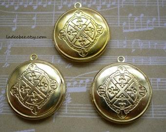 Lockets - 1 Coat of Arms Brass Locket