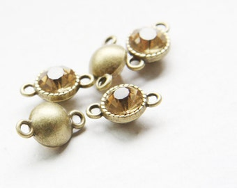 4pcs Antique Brass Tone Base Metal Link with Champagne Rhinestone 16x10mm (12388Y-P-85B)