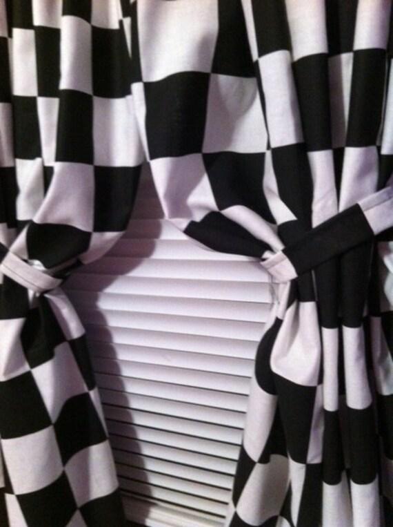 1jeu w 42 x 84 fen tre rideau panneaux en nascar. Black Bedroom Furniture Sets. Home Design Ideas