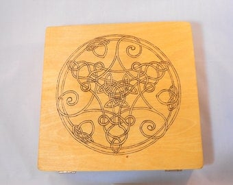 Tri-Spiral Knot Cigar Box