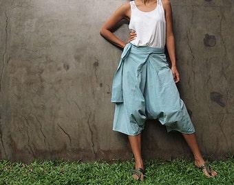 Wabi sabi Capri pants mint green.. ..Chambray linen only in L size last pants...