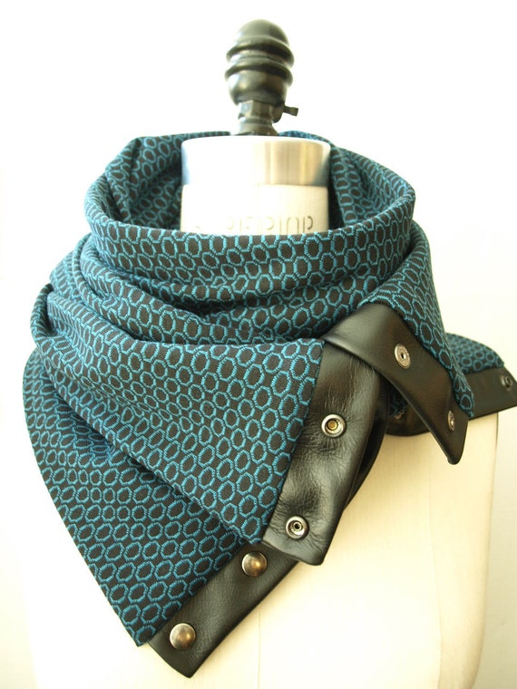 Fall 2012 Aqua circle Chunky circular infinity scarf