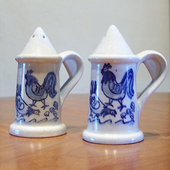 Metlox Poppytrail Salt and Pepper Shakers Provincial Blue Pattern Roosters Chicks and Hens