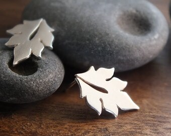 Little leaf stud earrings - handcrafted sterling silver woodland stud earrings