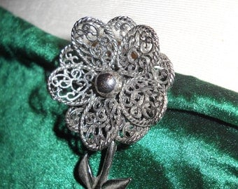 VINTAGE FLOWER POWER Sparkle Brooch Silvertone with Pin back