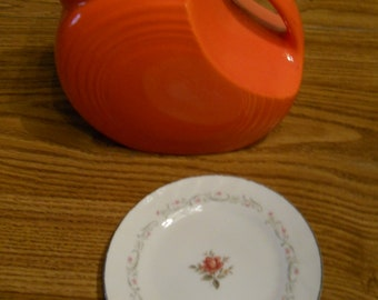 1 Small 6 inch Plate Vintage ROYAL SWIRL Fine China Pattern Retro Kitsch Cottage Chic
