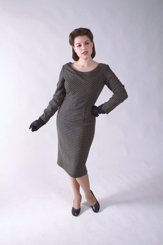 Vintage 1950s Dress // Curve Hugging Tweed Sexy Secretary Dress
