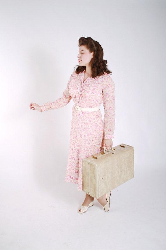 LAST CHANCE Vintage 1930s Dress - Semi Sheer Cotton Feedsack Style Shirtwaist Day Dress