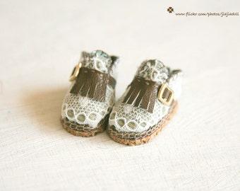 jiajiadoll- Handmade- white lace coffee shoes fits momoko- blythe -Misaki- Unoa light- Lati yellow