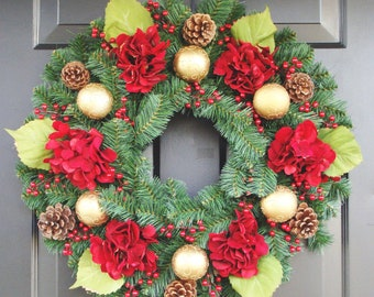Christmas Hydrangeas, Evergreen Christmas Wreath, Hydrangea Wreaths, Holiday Home Decor, Traditional Christmas, Red