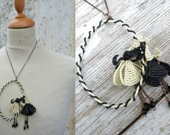 CLOCHETTES Creamy  and black medaillion seed beads beaded beadwork floral necklace Handmade in France