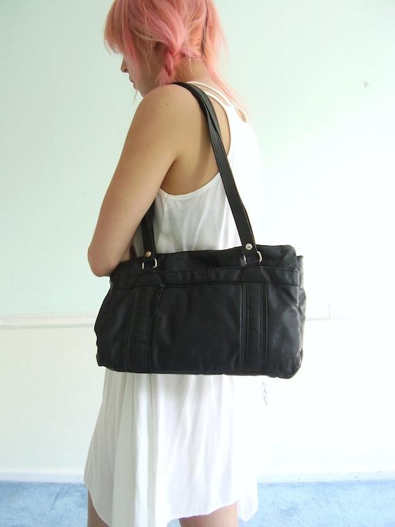 Black Leather Shoulder Bag - Vintage 80s - Classic Tote Purse