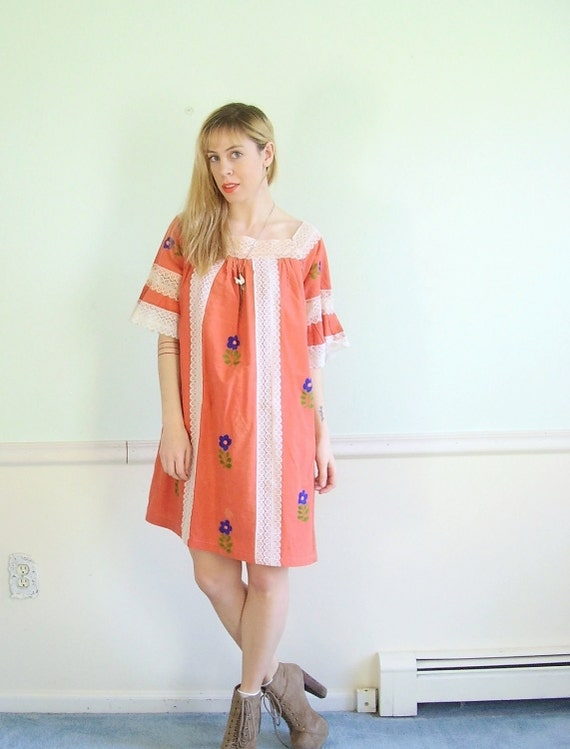 Lace Stripped Vintage 70s Soft Orange Embroiered Mini Boho Dress S M