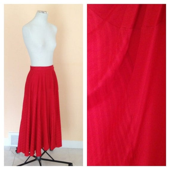 Vintage Long Red Silk Skirt. Maxi Skirt. Size Medium. Vintage Silk Skirt. Dance. Red Hot. Holiday. Fall. Size 8. 1980s.
