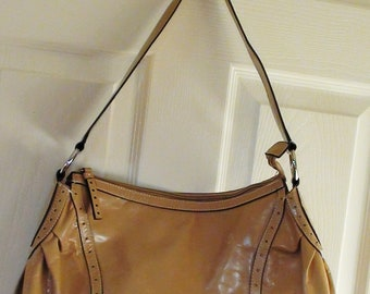 Nice and Clean Vintage Leather Handbag or Shoulder bag Tan Color and Great size  On SaLe Now