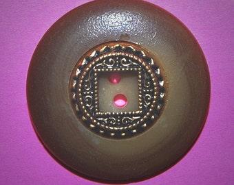 Vintage Unique Two Tone Art DEco 35MM Casein and Metal Button K2R
