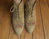 vintage tan aztec  granny lace up boots size 7m