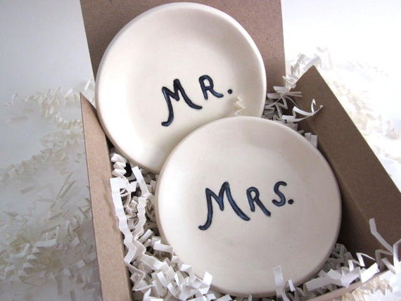 Fall Sale..Mr and Mrs wedding  ring dishes - ring holder - wedding ring dish - engagement gift - black and white (w)