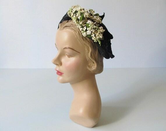 vintage 1950s Hat / 50s Hat  / Straw Toque / Honeysuckle